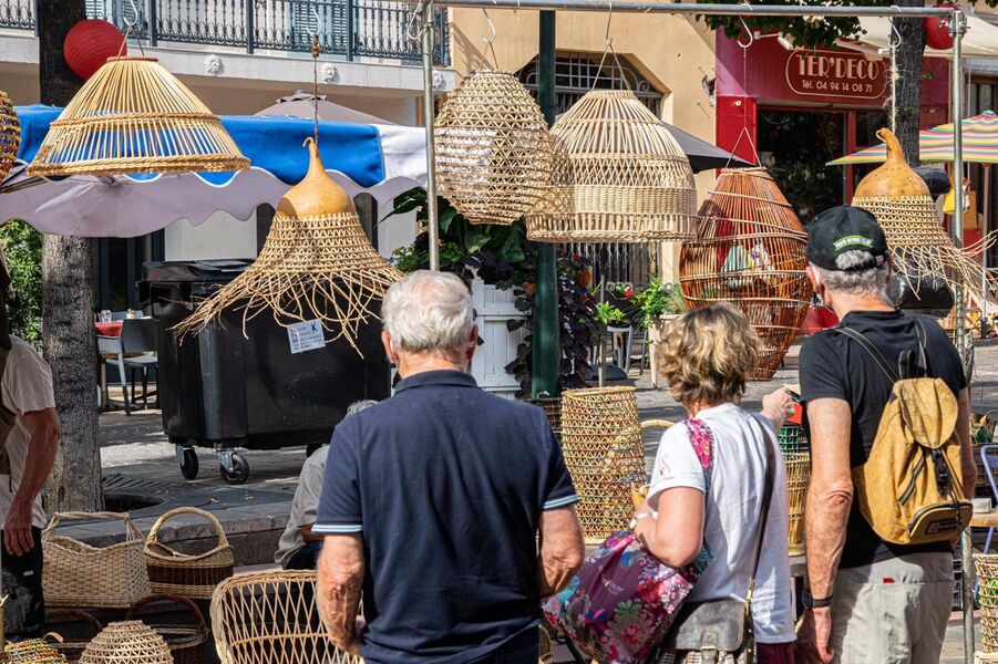 Marché artisanal de l'Oustaou Rou à Hyères - 0