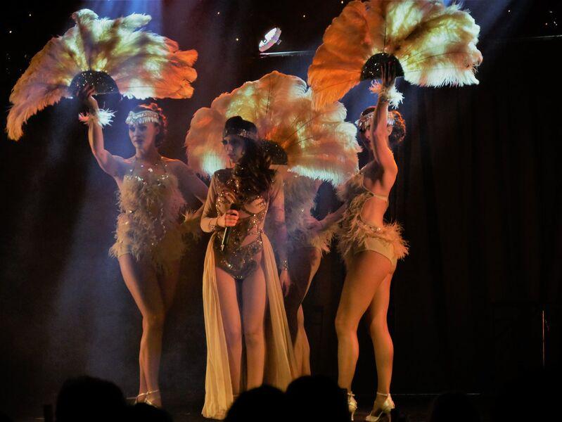 Spectacle cabaret: Les douces insolentes Pin-up à Hyères - 0