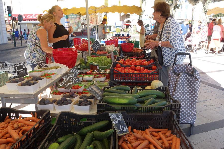 Farmers' Market à Hyères - 0