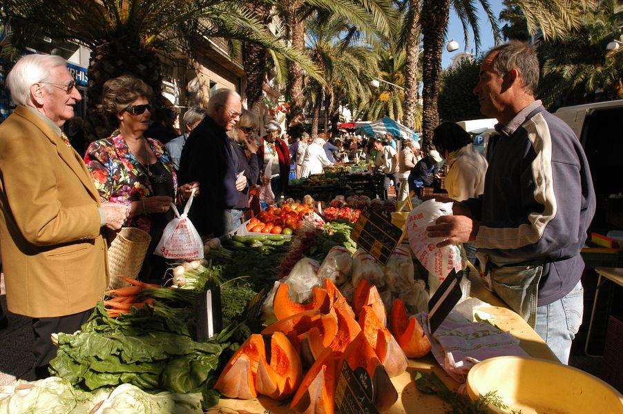 The big market of the golden islands à Hyères - 0