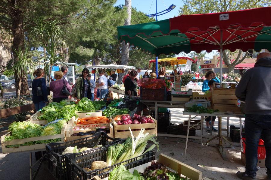 Ayguade Market à Hyères - 12