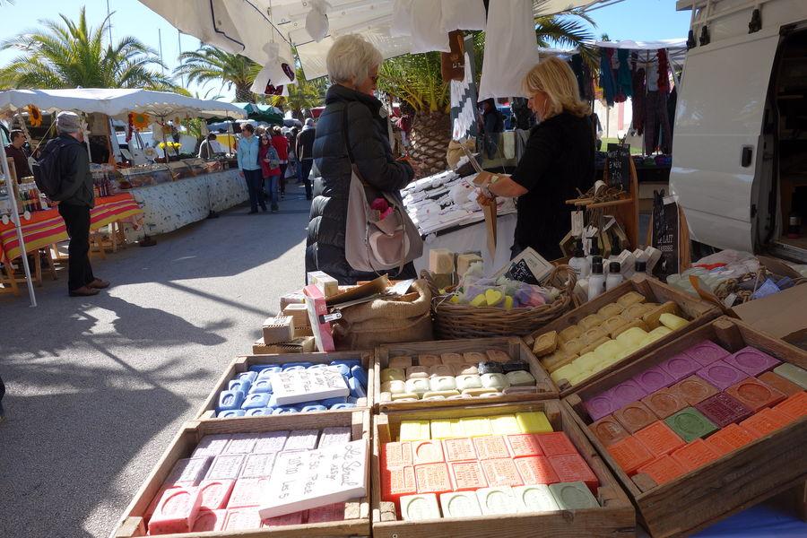 The port Market à Hyères - 3