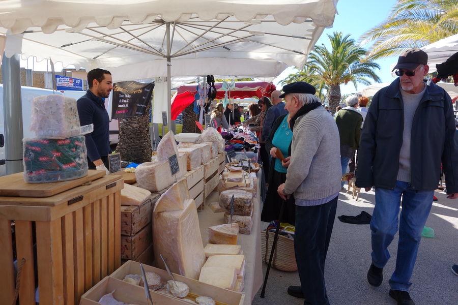 The port Market à Hyères - 5