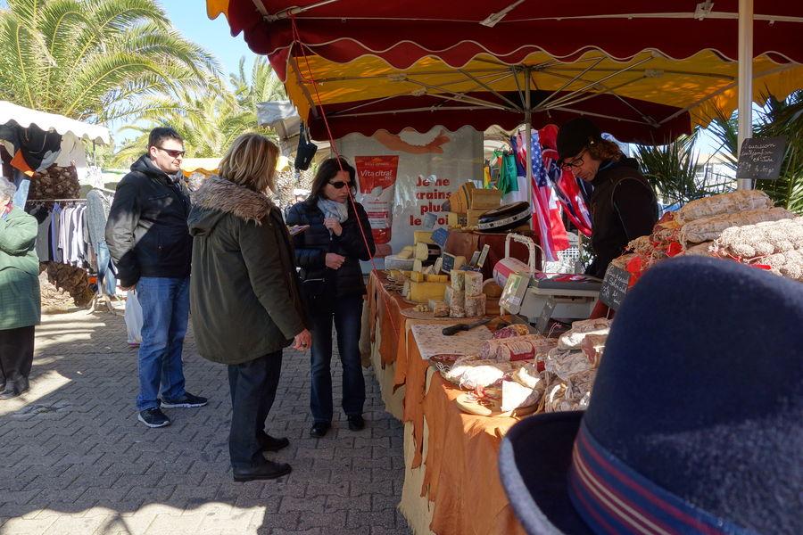 The port Market à Hyères - 10
