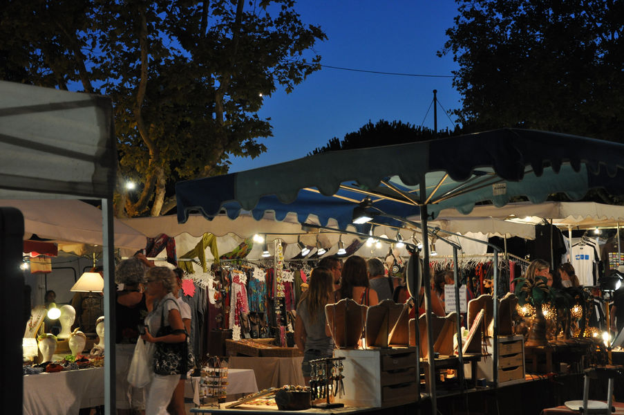 Ayguade Night Market à Hyères - 0