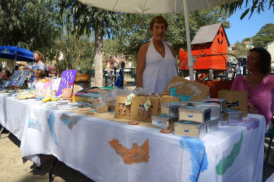 Artisanal Market in Porquerolles à Hyères - 2