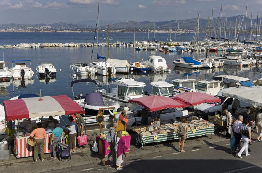 Market of Le Brusc à Six-Fours-les-Plages - 1