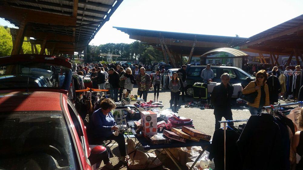 Flea Market Centr'azur à Hyères - 0
