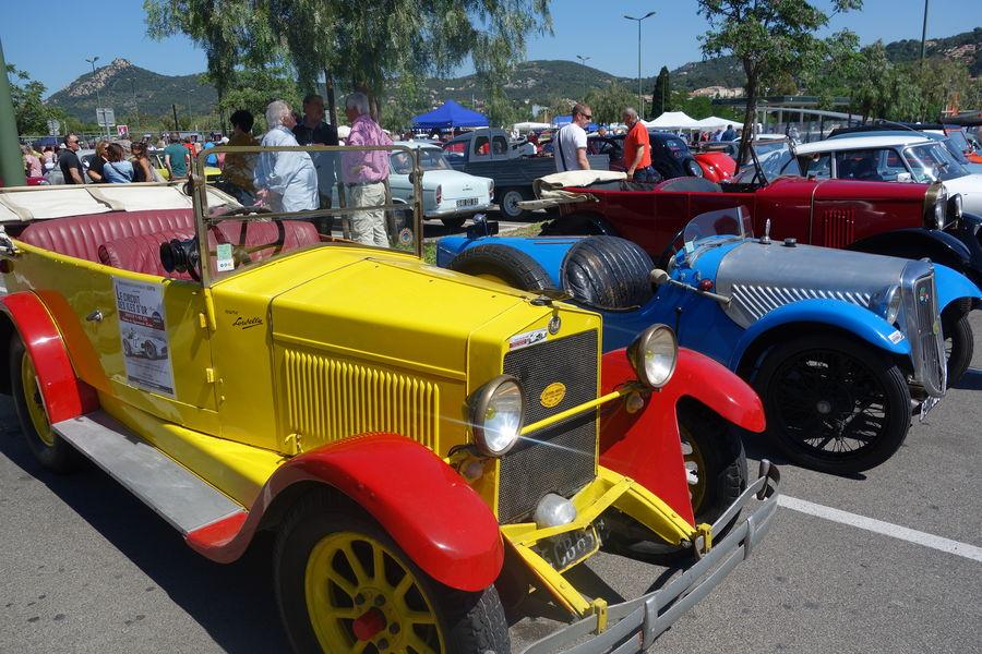 Exhibition of vintage cars à Hyères - 0