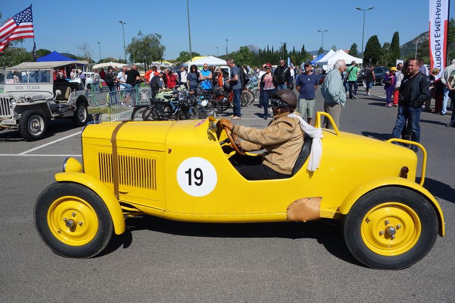 Exhibition of vintage cars à Hyères - 1