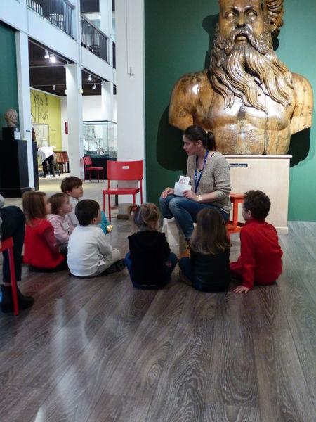 Jeune public – Visite contée « Lucas et la bouteille à la mer » – Musée de la Marine à Toulon - 0