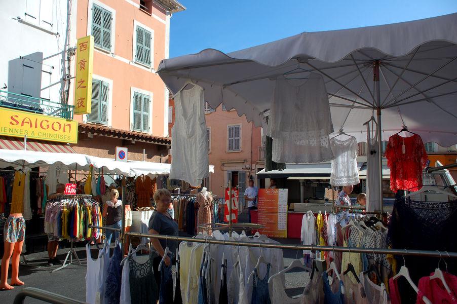 La Crau's market à La Crau - 19