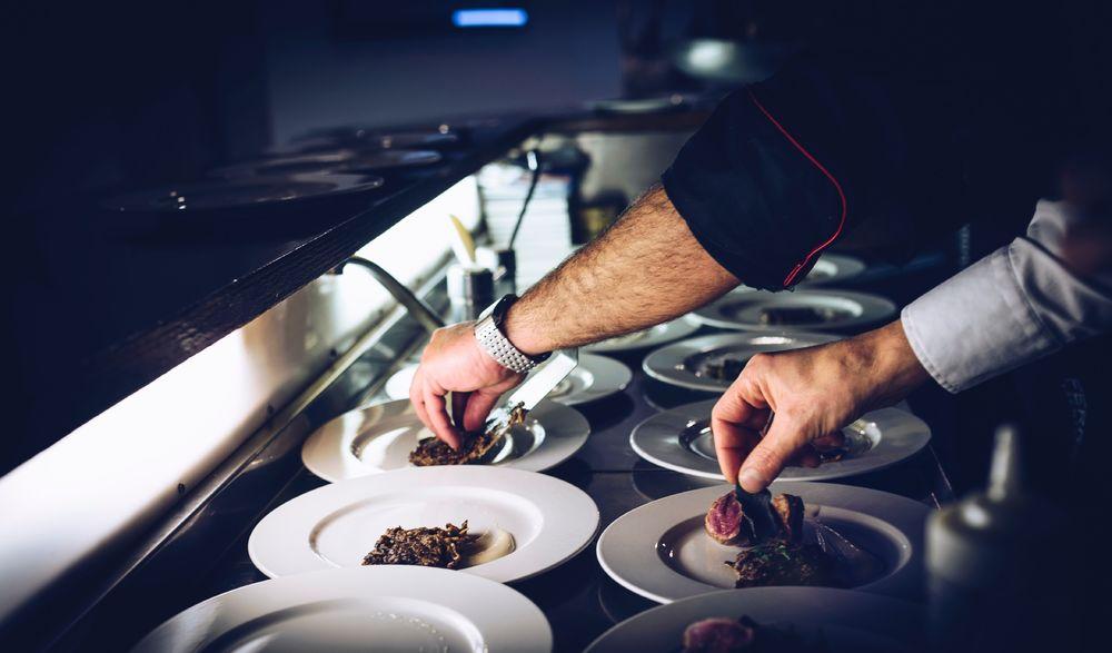 Merci Noémy : charitable meal à Hyères - 0