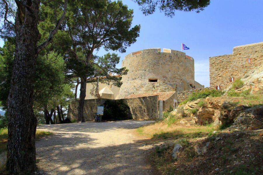 Visites du Fort Sainte Agathe & Moulin du Bonheur à Hyères - 0