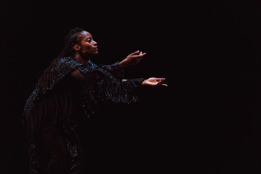 """Show """"Mailles"""" by Dorothée Munyaneza à Ollioules - 2"""