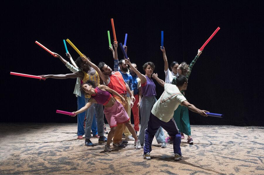 """Dance """"Akzak, l'impatience d'une jeunesse reliée"""" by Héla Fattoumi and Eric Lamoureux à Ollioules - 0"""