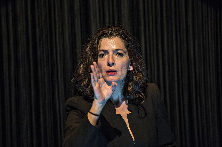 """Visual theatre """"Dévaste-moi"""" by Johanny Bert à Ollioules - 2"""