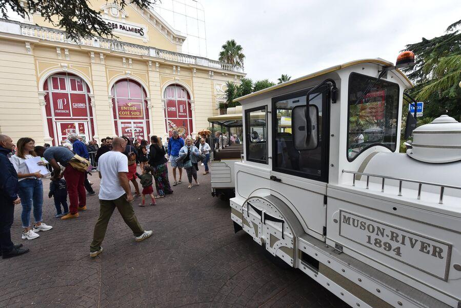 Visit of Hyeres by touristic train à Hyères - 1