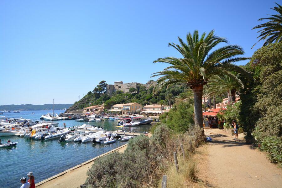 Port Cros, pearl of the Golden Islands à Hyères - 3