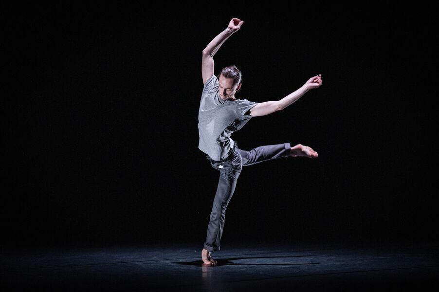"""Dance: """"Emprise"""" Maxime Cozic à Ollioules - 0"""